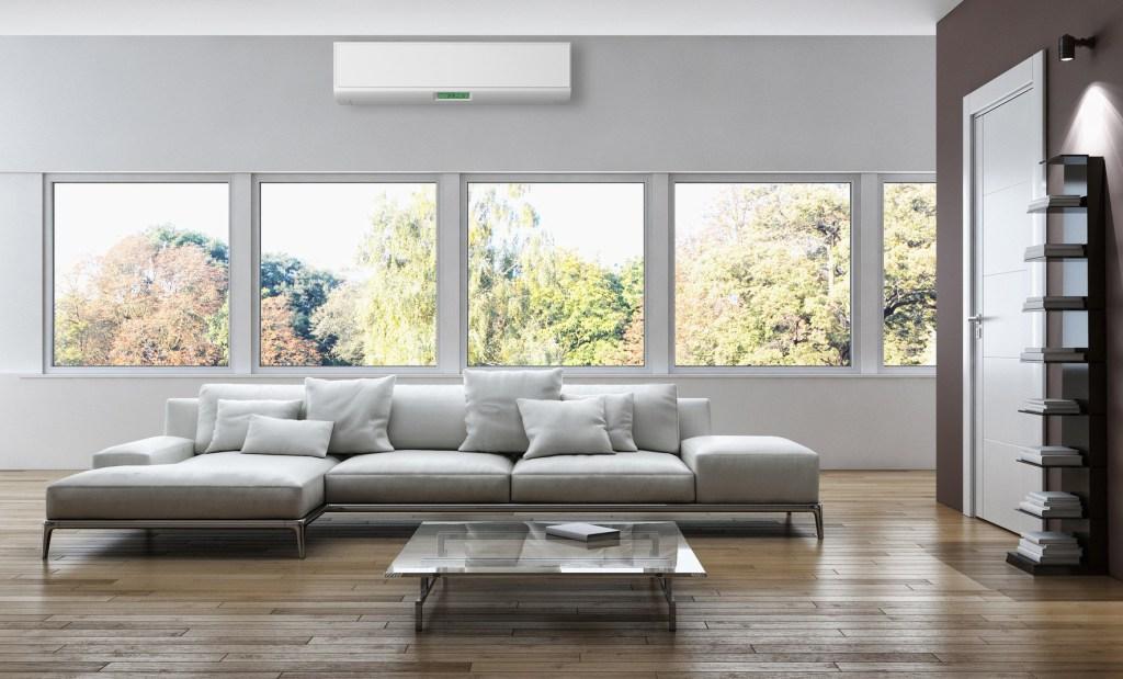 Klíma berendezés egy modern nappaliban