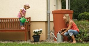 Az összegyűjtött esővíz kiválóan alkalmas a kert öntözésére!